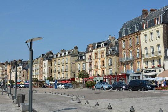 Le quai Henri IV de Dieppe